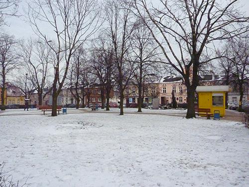 Place principale de Stawiszyn en Pologne