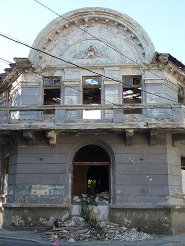 Un bâtiment abandonné à Bucarest